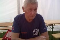 """VETERÁN. Bedřich Hanuš vzpomíná v rozhovoru pro Deník na své začátky v dálkovém plavání. """"Potřeba lidí se bavit přetrvává,"""" říká."""