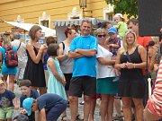 Stovky lidí zaplnily areál borovanského kláštera při dalším ročníku Borůvkobraní.