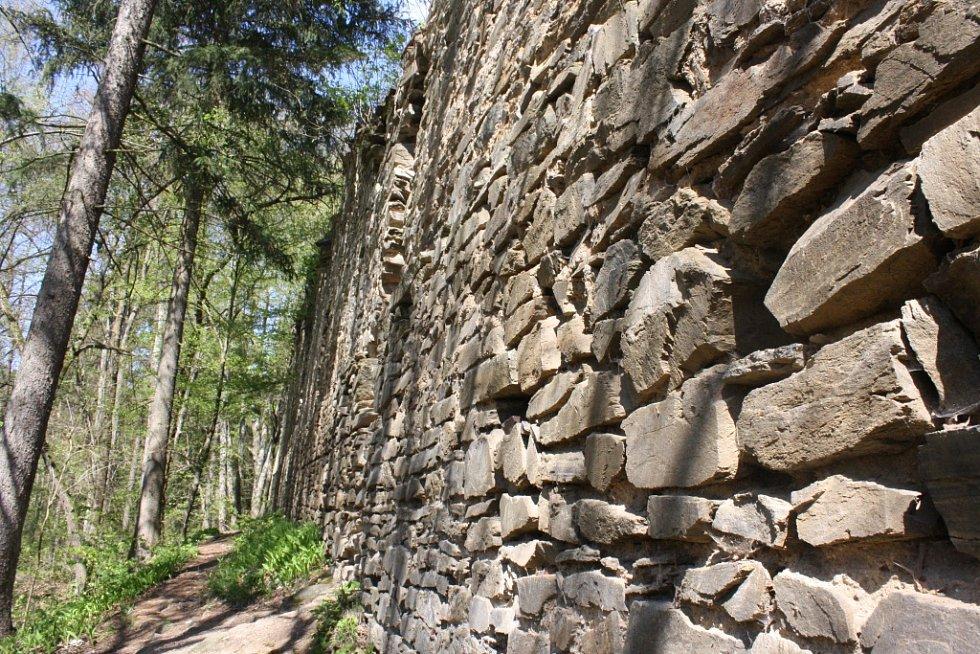 Karlův hrádek je velmi vyhledávanou turistickou atrakcí.