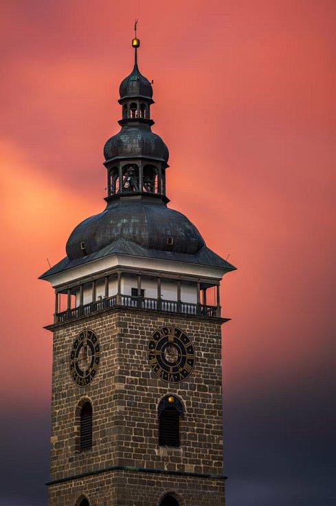 Lukáš Gallo rád fotí extrémní počasí, jižní Čechy a České Budějovice. Rád hledá nové pohledy.
