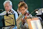 Koncert Smyčcového orchestru z Českého Krumlova se odehrál tři kilometry za Týnem nad Vltavou, na soutoku Vltavy a Lužnice.