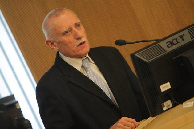 Ustavující zasedání českobudějovického zastupitelstva, pátek 21.listopadu. Na snímku Jan Zahradník.