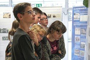 Žáci objevili zapomenuté dokumenty z protektorátu