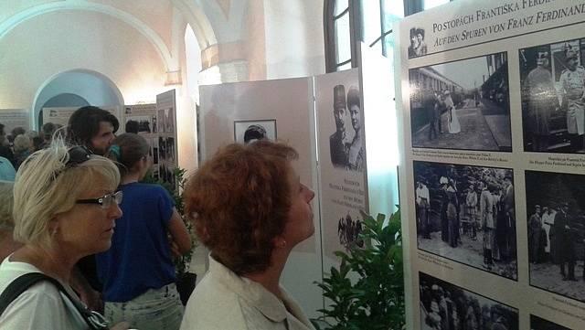 Právě z Chlumu u Třeboně František Ferdinand d´Este s manželkou před 107 lety vyrazil na osudnou cestu do Sarajeva. Snímek je z výstavy u příležitosti stého výročí  jeho cesty.