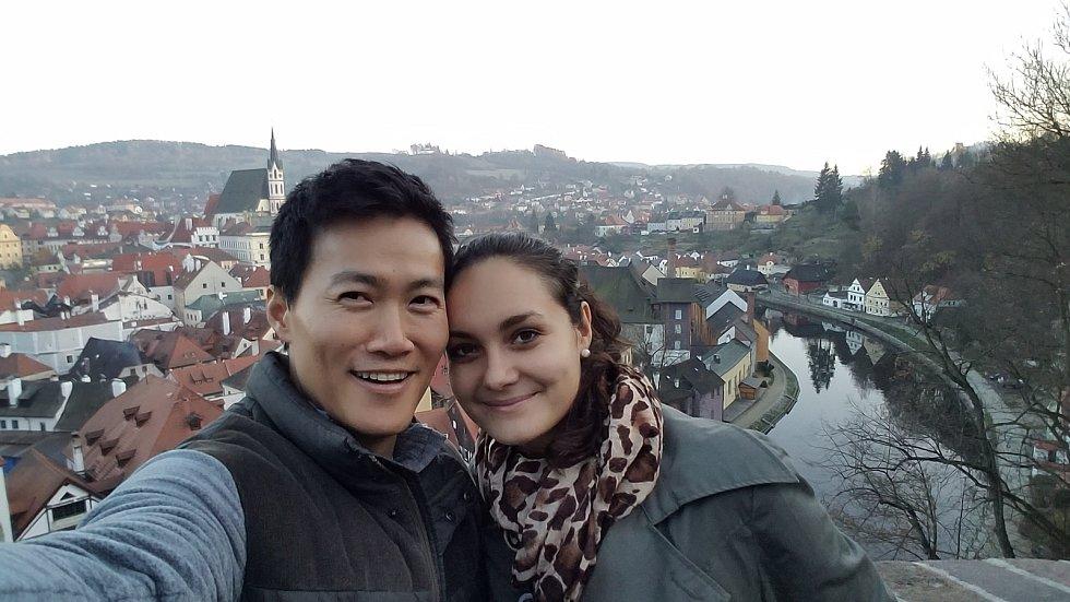 Nikola Kulhánková z Českých Budějovic nyní nemůže trávit čas se svým přítelem z USA.
