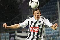 Jaroslav Machovec pečetil v Třinci výhru Dynama třetím gólem.