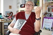 Oldřich Mikula krátce před svými 90. narozeninami.