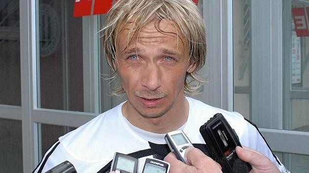 Rudolf Otepka pl vítězném zápase s Olomoucí mezi novináři.