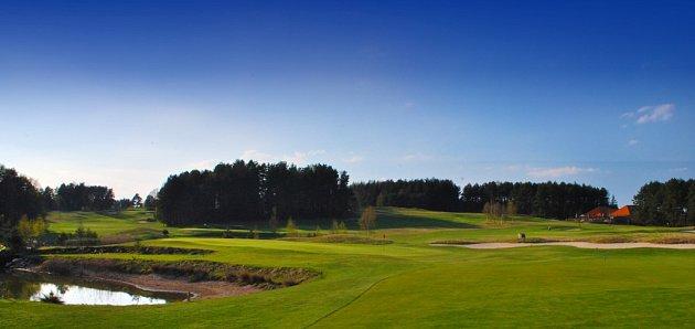 Bonusem Nové Bystřice je místní golfové hřiště Monachus.