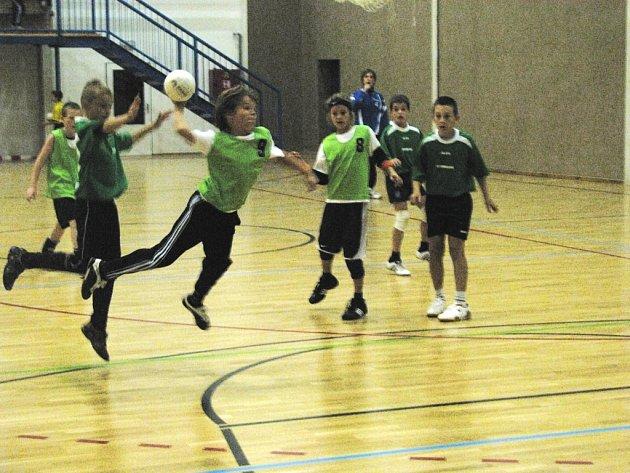 Forma házené 4+1 je velmi vhodnou pro dětské kategorie. Shodují se na tom házenkářští odborníci, potvrdilo se to i v turnaji základních škol v hale českobudějovické Lokomotivy.