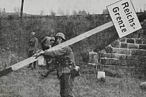 Vinou demobilizace a následného příchodu Němců se měnila hranice nacistické říše.