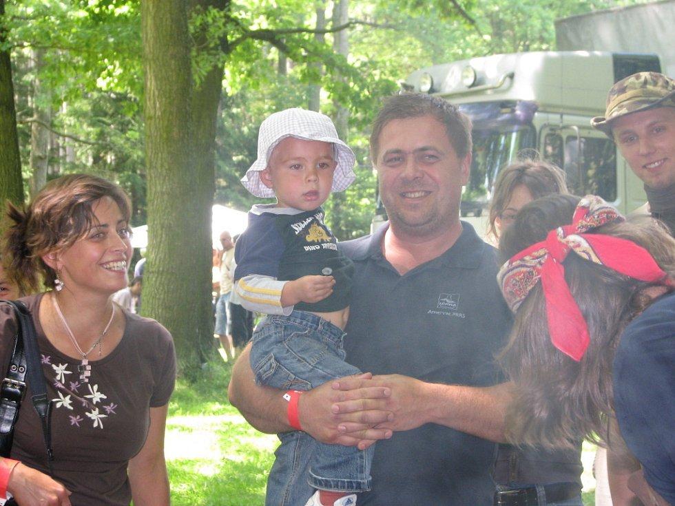 Stovky fanoušků folkové hudby a příbuzných stylů přitáhlo o víkendu již 14. jihočeské zpívání do areálu Památníku Jana Žižky z Trocnova.