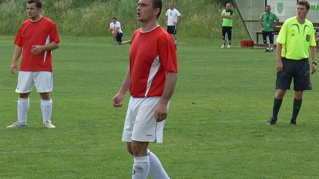 Petr Fiala je na hřišti přirozenou autoritou, ačkoli už dnes má na hřišti jiné povinnosti než střílet góly jako zamlada.