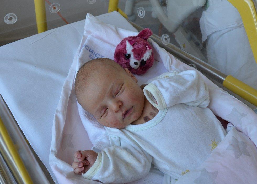 Benjamin Riazanov z Kovářova. Prvorozený syn Barbory a Davida Riazanových se narodil 13. 6. 2021 ve 4.07 hodin. Při narození vážil 3500 g a měřil 49 cm.