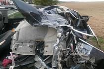 U Maloviček zahynul řidič audi při střetu s kamionem.