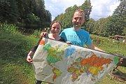 Dominika Oulická a Petr Macht vypráví o svých cestovatelských zážitcích. Foto: Deník/ Jaroslav Sýbek