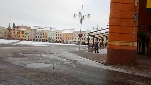 Havárie vody v minulých dnech v centru Českých Budějovic.