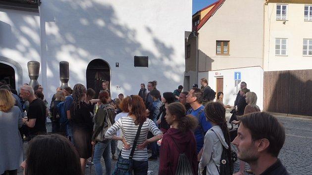 Výstava Petra Nikla v Rabenštejnské věži, začalo Umění ve městě