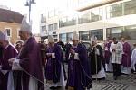 Pohřeb emeritního biskupa Jiřího Paďoura v Českých Budějovicích.