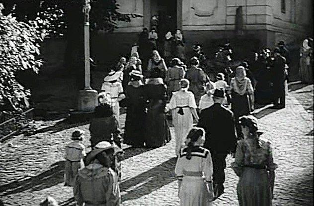 Z filmu Jarní píseň (1944)