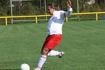Kapitán Dřítně Tomáš Slepička a jeho tým v derby s Olešníkem radoval z prvních bodů v sezoně.