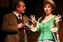 Premiéru slavného muzikálu Hello Dolly! uvede 10. února operní soubor Jihočeského divadla v budějovickém Metropolu. Dolly alternují Iva Hošpesová a Miroslava Veselá, vdovce Horáce Vandergeldera ztvární Miloslav Veselý.