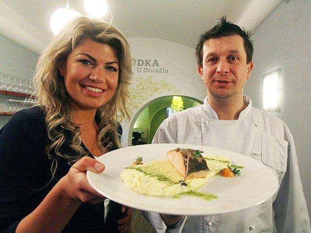 Českobudějovická Hospůdka u Divadla podávala lososa s tymiánovým pyré podle receptu naší čtenářky Nely Bjalkovové.
