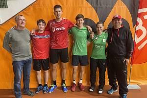 Náhradní sestava na MČR v badmintonu. Janáček a Maňásek