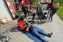 Odpoledne s Jihočeskými taťky u informačního centra JE Temelín se zúčastnili hasiči i Zdravotnická záchranná služba Jihočeského kraje.