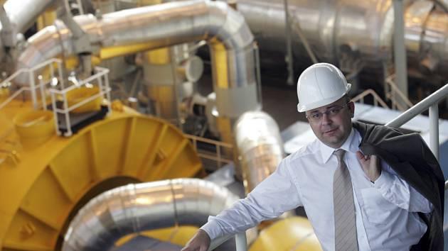 Temelínský ředitel Hlavinka v prostředí, kterému šéfuje – v útrobách jaderné elektrárny.