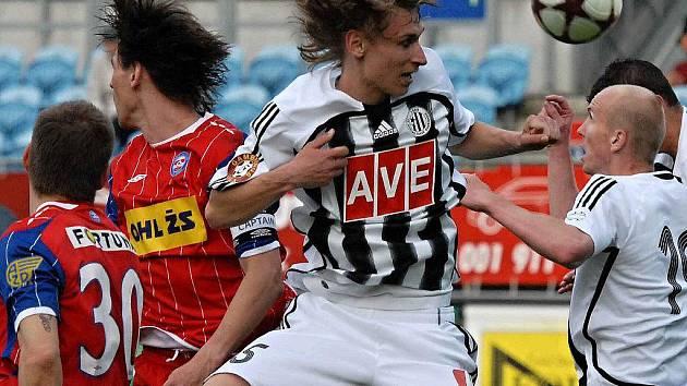 Pavel Novák si v sobotním zápase Dynama s Brnem poprvé zahrál fotbalovou ligu.