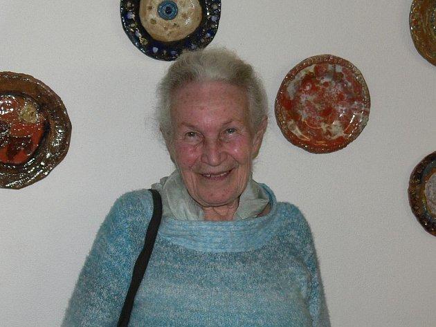 Ruth Hálová byla jedno z dětí, kterým zachránil život sir Nicolas Winton. Dnes žije v Holubově