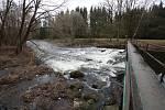 Zvýšená hladivna řek. Takto vyadala v sobotu Stropnice v obci Hamry u Římova.