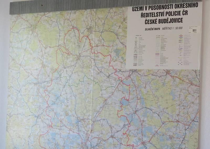 Dočasně na tři měsíce dostalo Obvodní oddělení Hlubová nad Vltavou k dispozici zázemí ševětínské služebny. Jejich dosavadní pracoviště se totiž dočkalo rekonstrukce.