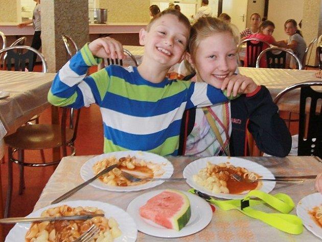 Školní jídelna v Hluboké nad Vltavou.