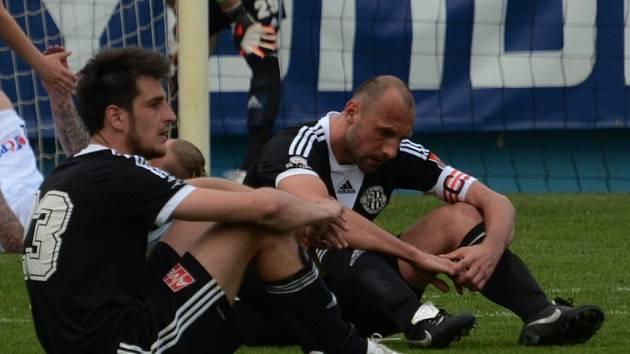 Smutek Jaroslava Machovce a Romana Lengyela, ani v Edenu fotbalisté Dynama neuspěli.