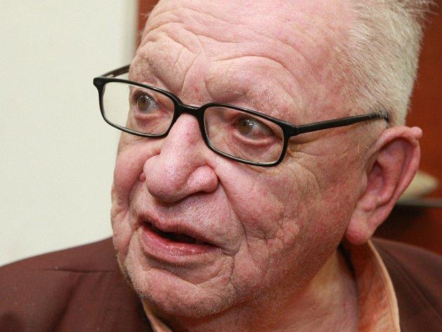 Cestovatel a spisovatel Miloslav Stingl dostane na festivalu Voda, moře, oceány cenu za celoživotní dílo.