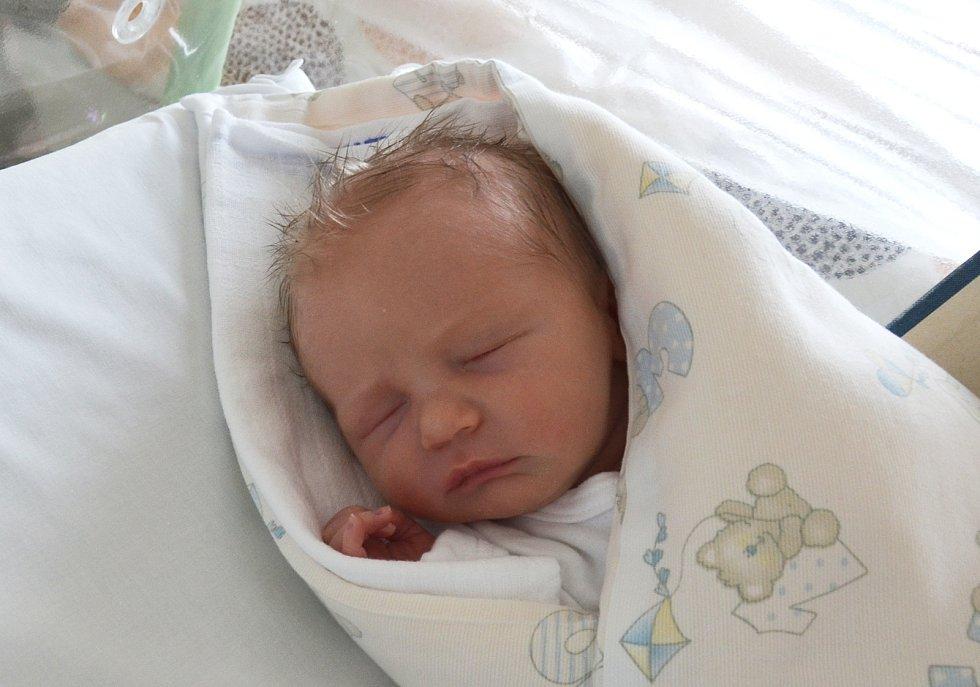 Do Písku odjel s rodiči Alenou Chudomelovou a Zdeňkem Lechnýřem novorozený Štěpán Lechnýř. Narodil se 20. 7. 2021 v 19.47 h. Jeho porodní váha byla 3,15 kg.