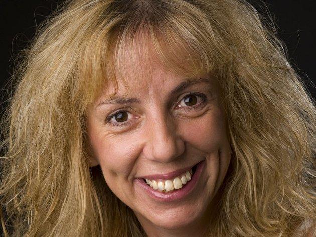Olga Šubrtová, dramaturgyně Jihočeského divadla, spoluautorka komedie Ženy Jindřicha VIII.,  která je již devět let před otáčivým hledištěm v Krumlově pokaždé vyprodaná.
