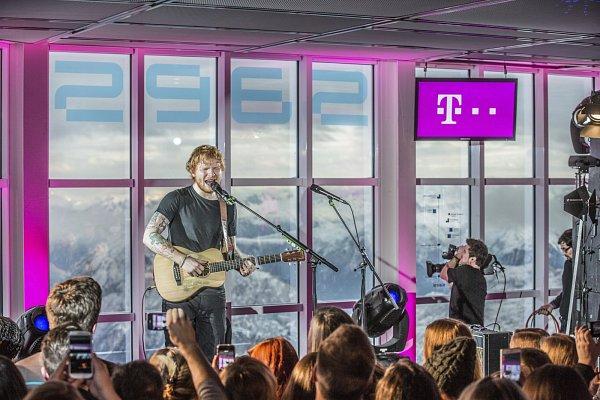 Sheeran koncertoval na Zugspitze.