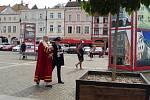 Na českobudějovickém náměstí vloni pokřtil Přemysl Otakar II. turistickou vizitku Umění ve městě.