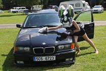 Šedesát dva vyštafírovaných vozidel dorazilo na Vltavotýnsko na třetí ročník Bavarian classic srazu.