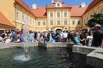 Tradiční Borůvkobraní přilákalo do Borovan opět tisíce lidí.