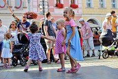 Tančírna pod Černou věží přilákala milovníky období první republiky.