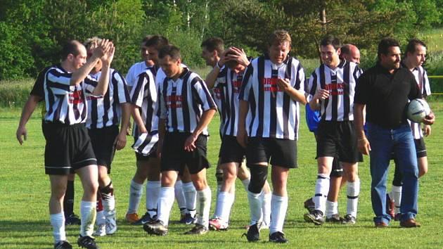 Fotbalisté Slavoje Ledenice na podzim prožívají historickou premiéru v I.A třídě. Zatím vybojovali sedm bodů (foto archiv).