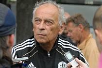 Trenér František Cipro má v přípravě problémy s marodkou.