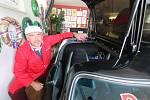 Sběratel Emil Roděj připravuje unikátní auto na soutěž South Bohemia Classic 2020, která začíná ve čtvrtek v Hluboké nad Vltavou.