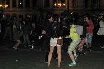 Silent disco párty na českobudějovickém náměstí.