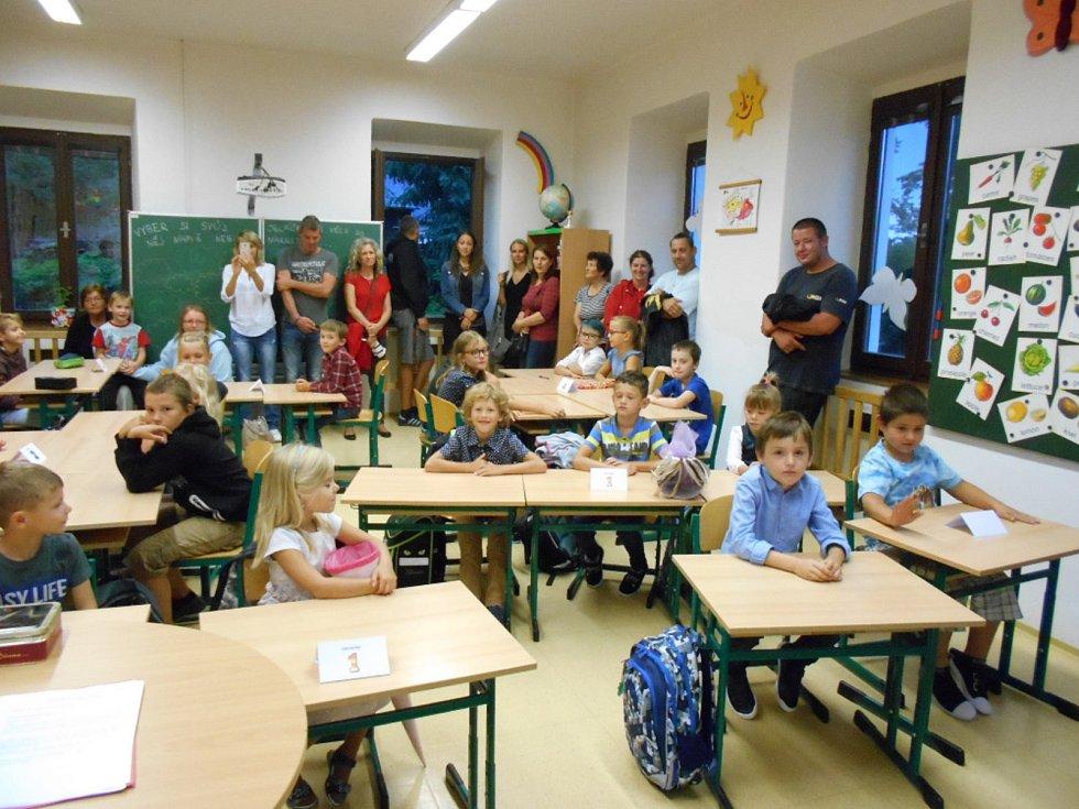 První školní den v ZŠ a MŠ Doudleby.