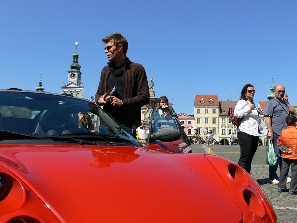 V sobotu dopoledne českobudějovické náměstí Přemysla Otakara II. hostilo sraz českého Smart klubu.